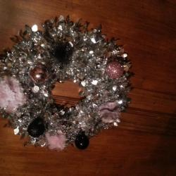 couronne rose et noire